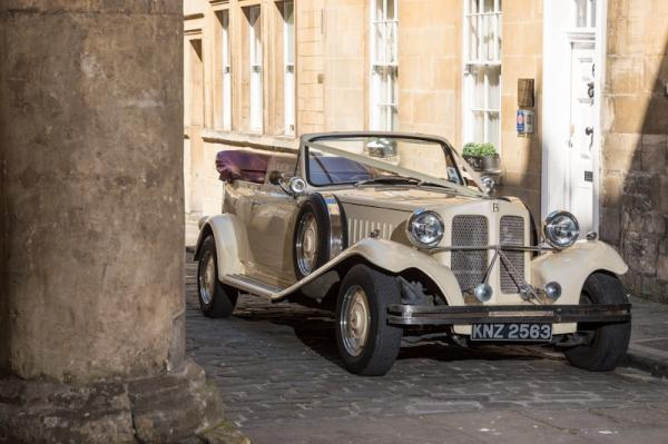 Arriving at Abbey Mews in vintage style