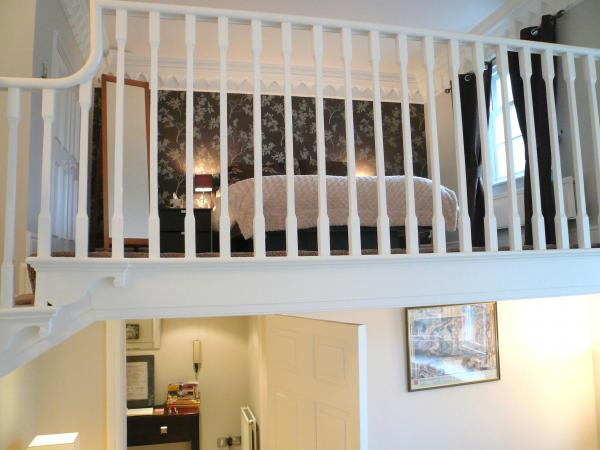 Juliet's Balcony Bedroom is up there!