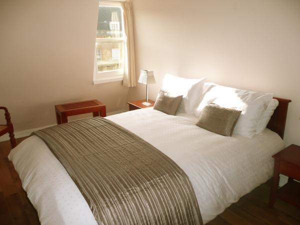 Another of the kingsize bedroom