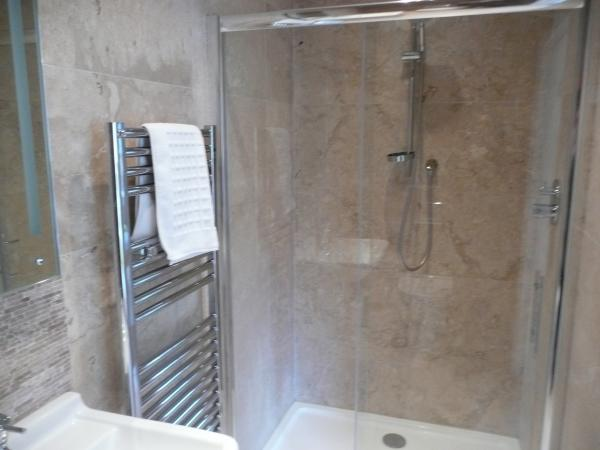 Another of the Shower En Suite