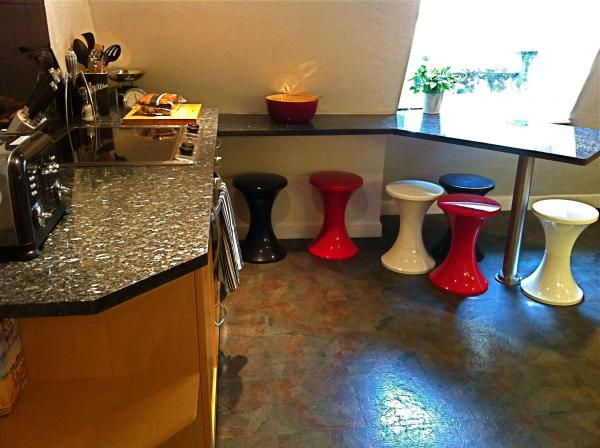 Happy Kitchen breakfast bar and stools