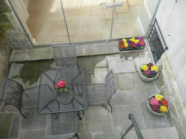 Looking down onto the court yard on the lower ground floor