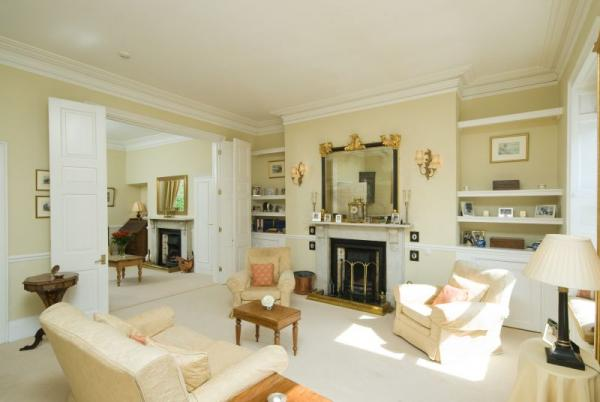 Grand Drawing Room to smaller Withdrawing Room