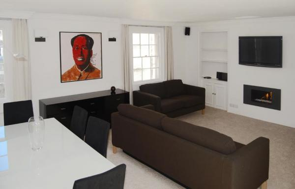 The Lounge with the Chairman Picture