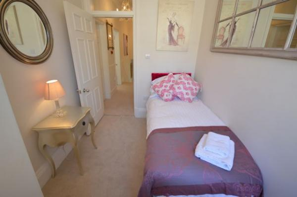 Bedroom 3 - (sleeps 1)