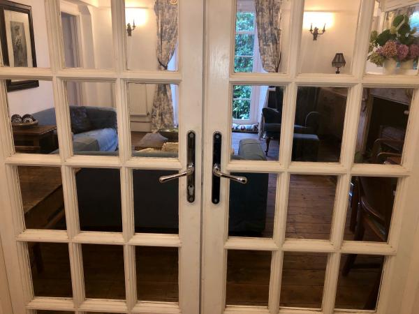 French doors leading to the living room