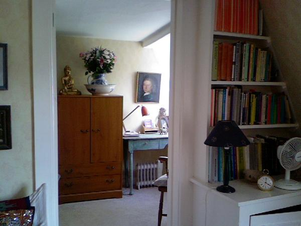 Into the bedroom & book shelves