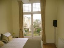 Kingsize bedroom with juliet balcony