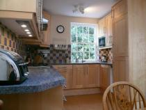 Large cottage style Kitchen