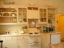 Pretty Crystal Palace Kitchen, open plan in main room