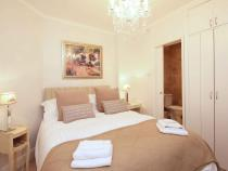 Pretty double bedroom with en-suite shower room