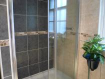 Juliet's large Shower